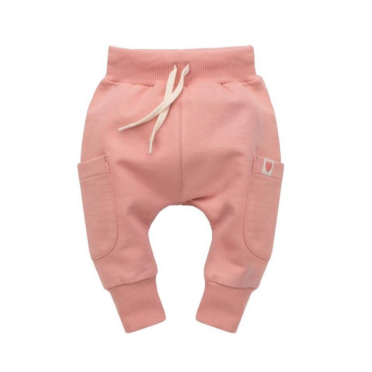 Kojenecké kalhoty se sníženým sedem Pinokio Spring Light - růžové